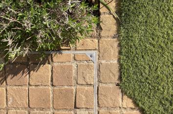 Alusthetic decorative aluminium manhole cover with texture square stone